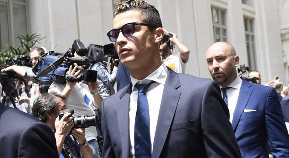 Ronaldo gặp rắc rối liên quan đến cáo buộc trốn thuế