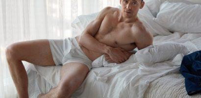 Làm sao để có body chuẩn như siêu sao phim 'Kong' – Tom Hiddleston?