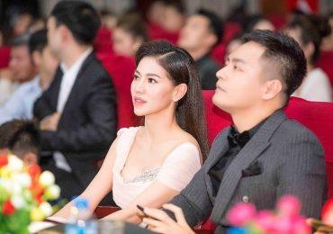 Phan Anh, MC Anh Tuấn và 'Bà trùm hoa hậu' chấm thi Hoa khôi Học viện báo chí