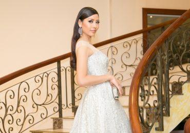 Á hậu Nguyễn Thị Loan lộng lẫy trên 'ghế nóng' cuộc thi Hoa hậu Biển VN