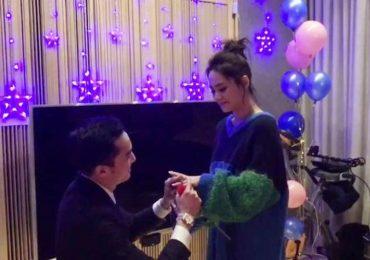 Chung Hân Đồng kết hôn sau 7 tháng hẹn hò