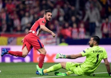 Griezmann tỏa sáng, Atletico giành lợi thế lớn ở tứ kết Europa League