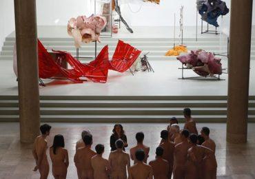 Bảo tàng Pháp mở cửa đón khách khỏa thân
