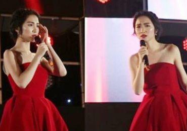 Hòa Minzy quên sạch lời ca khúc khi hát ở phố đi bộ Hà Nội