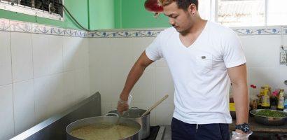 Người mẫu Vũ Tuấn Việt điển trai, giỏi nấu ăn lại chăm làm từ thiện