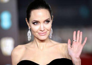 Angeline Jolie giữ vẻ đẹp tự nhiên, không thẩm mỹ