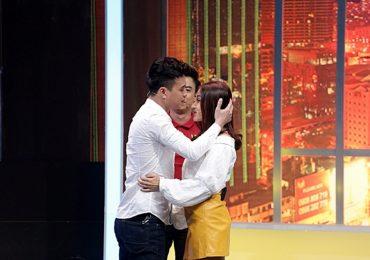 Hồ Quang Hiếu bất ngờ dành cho Khả Như nụ hôn ngọt ngào