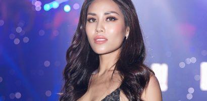 Á hậu Nguyễn Loan diện váy xẻ cao khoe hình thể nóng bỏng