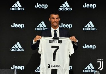 Chủ tịch La Liga: 'Ronaldo rời Real Madrid vì vấn đề thuế'