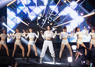 Chi Pu chiêu đãi fan bằng màn nhảy sexy cực bốc